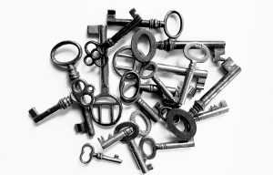 Pile of keys representing the confidentiality of an employers trade secrets